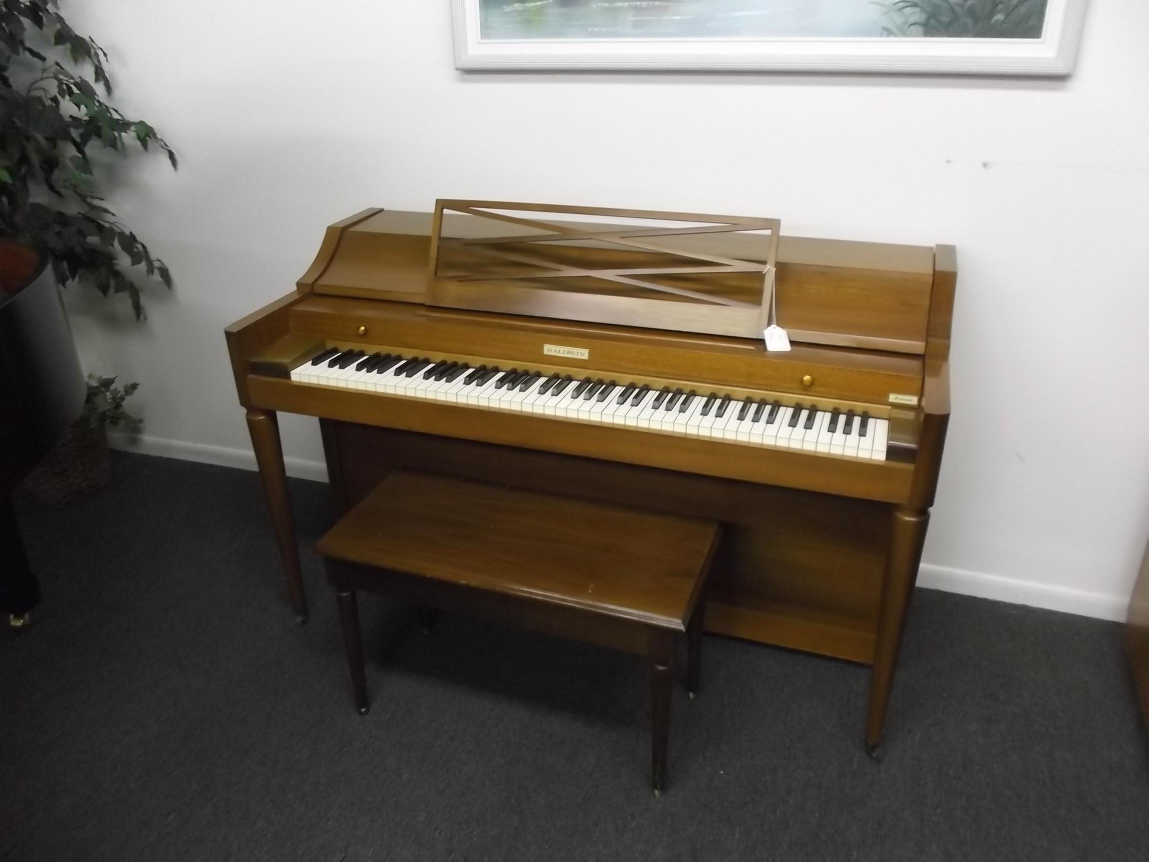 Used upright pianos - Yamaha console piano models ...